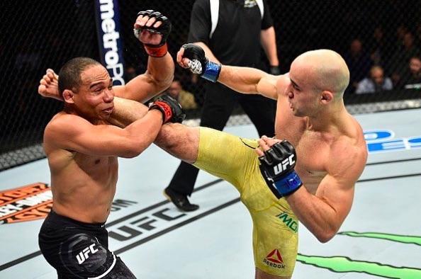 Marlon (dir) venceu a primeira no UFC (Foto: Reprodução/Instagram UFCBrasil)