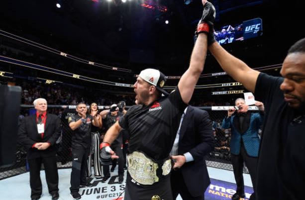 S. Miocic volta no UFC 220 (Foto: Reprodução Facebook Stipe Miocic)