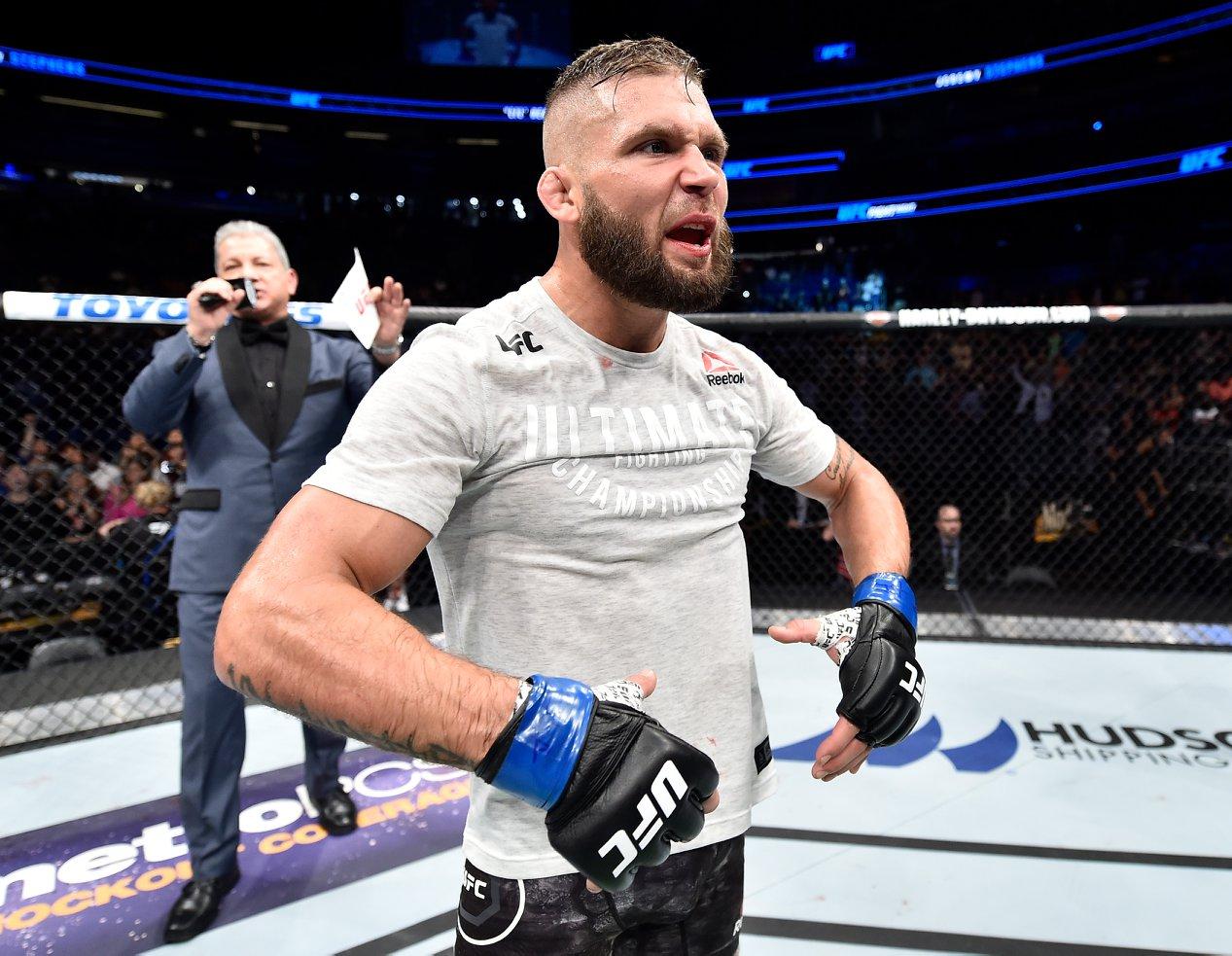 Stephens, Latifi, Jouban e Saunders embolsam os bônus do UFC Orlando