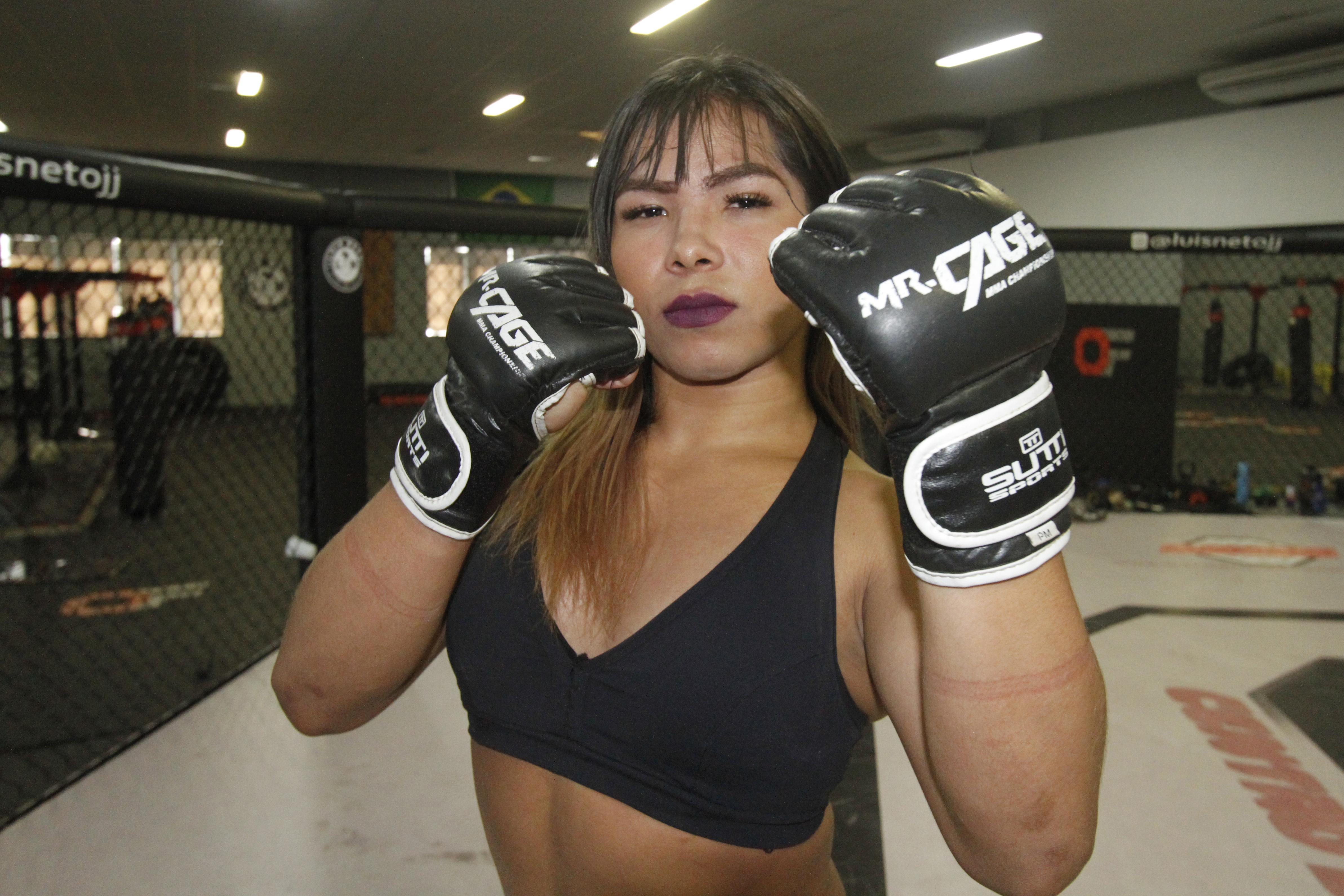 A trans, Anne venceu sua luta de MMA contra um homem Foto: Winnetou Almeida