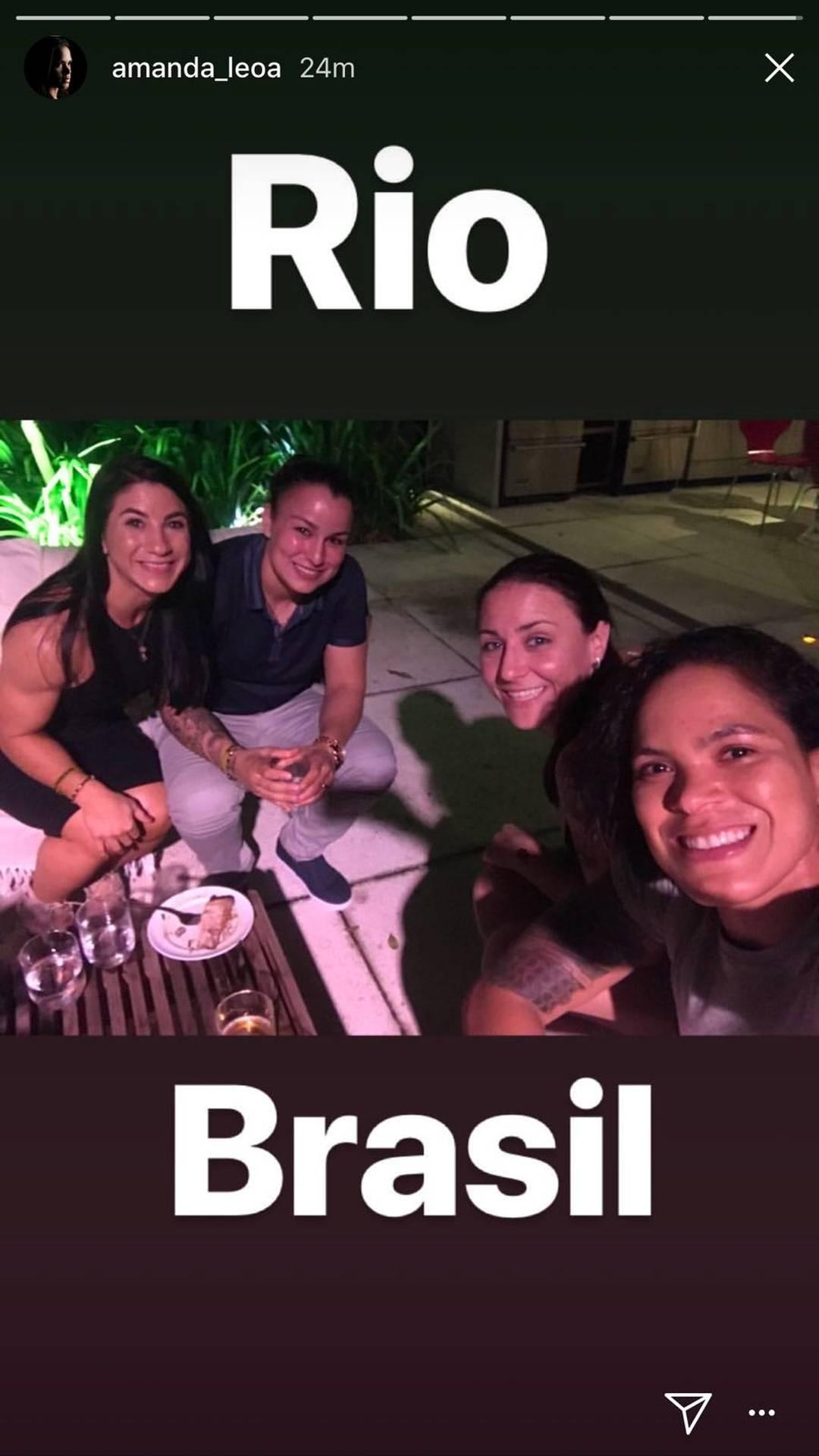 Da esq. para dir.: Tecia, Pennington, Nina e Amanda (Foto: Reprodução/Instagram)