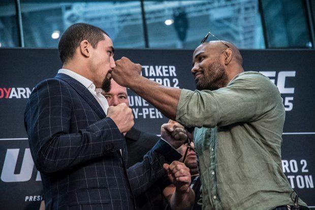 R. Whittaker (E) e Y. Romero fazem a luta principal do UFC 225 em Chicago. Foto: Reprodução/Facebook UFC