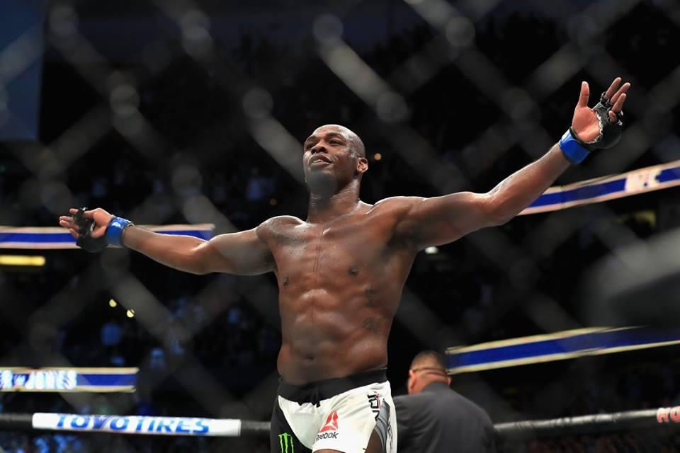 J. Jones ainda não tem data para voltar a lutar. Foto: Reprodução/Facebook UFC