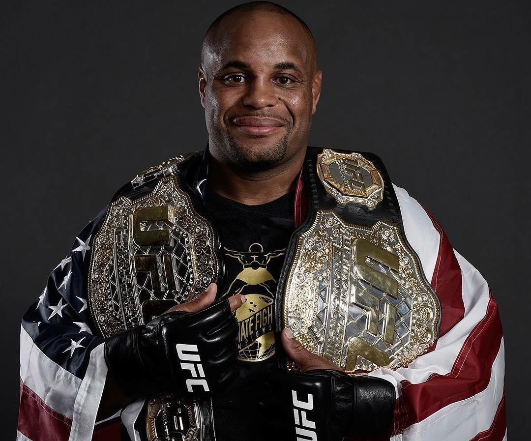 D. Cormier conquistou o segundo cinturão no UFC 226. Foto: Reprodução/Instagram @dc_mma