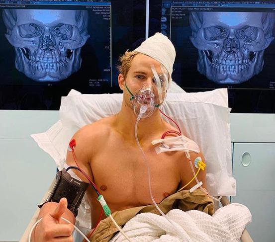 S. Northcutt (foto) passa por cirurgia após derrota para C. Alexandre.<br
