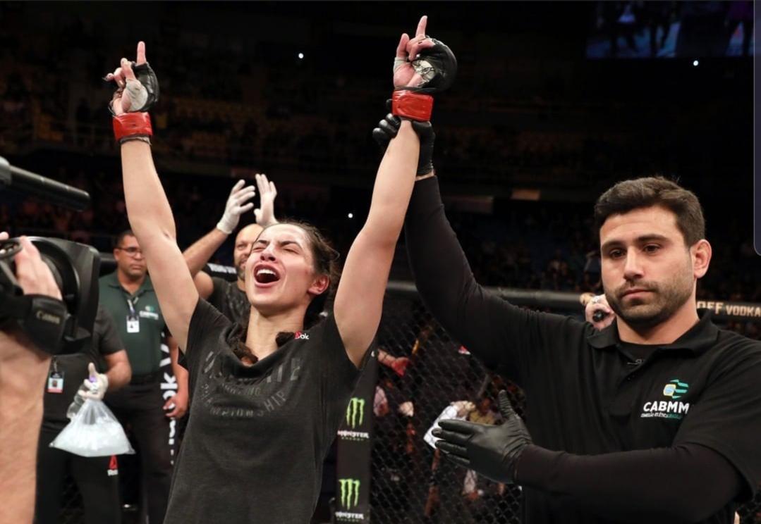 A. Lipski comemora vitória no UFC São Paulo. Foto: Reprodução/Instagram @ufc_brasil