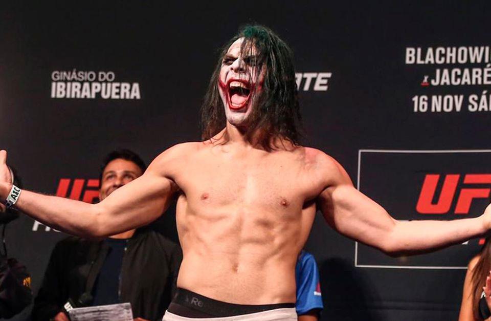 Maluko se veste de Coringa na pesagem do UFC São Paulo. Foto: Reprodução / Facebook @ufc
